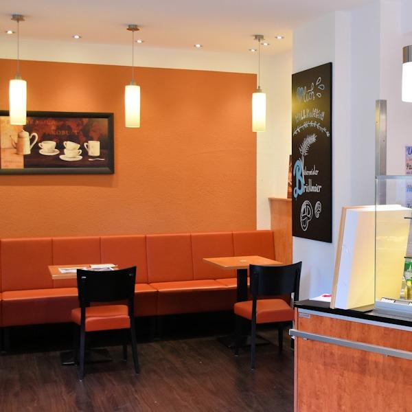 Cafebereich in der Brücklmaier Filiale Führichstrasse